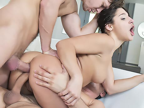 Бедная попа вот это член, пьяная госпожа мучает своего раба