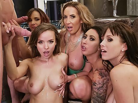 Пьяные девушки в новый год порно